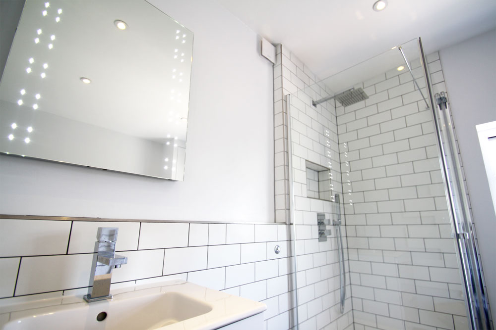 Slim cabinet for bathroom