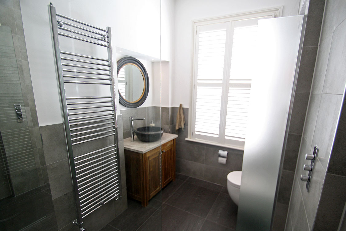 Wet room renovation in surbiton seal homes for Wet room seal
